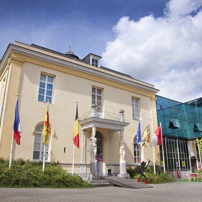 L'Hôtel Peeters abrite le Musée des arts de la Marionnette, un bâtiment exceptionnel du 19e sièc