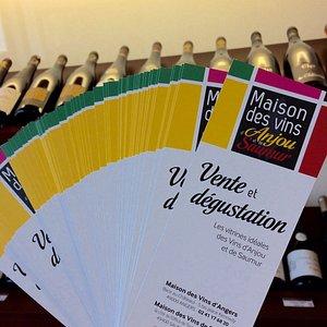 Les flyers / Marque pages Maison des Vins d'Anjou et de Saumur