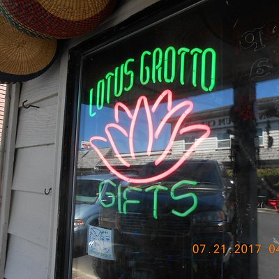 Lotus Grotto Gifts