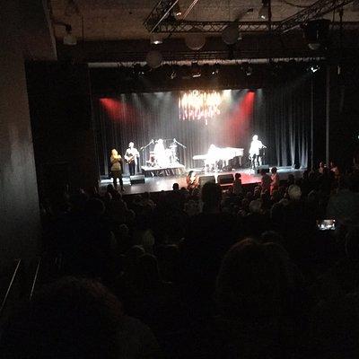 J Theatre Noosa Alive show