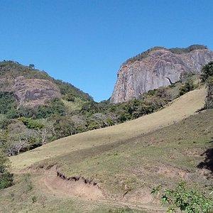 Estrada do bairro Ribeirãozinho até a pedra da Divisa.