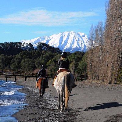 PLaya frente a volcan Calbuco