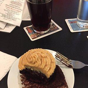Charles Schultz cupcake