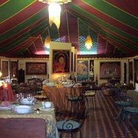 Restaurante y museo de arte guadamacil