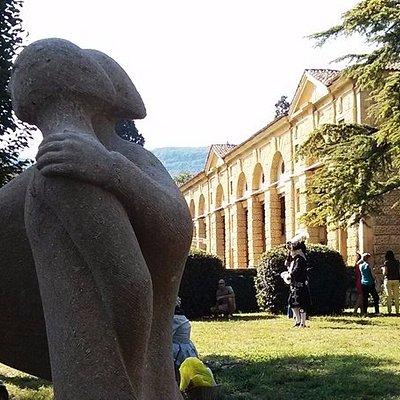 Uno scorcio del parco e delle barchesse di Villa Montruglio-Pigafetta-Camerini