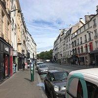 Départ de la Rue du Faubourg St Antoine en partant de la place de la Bastille