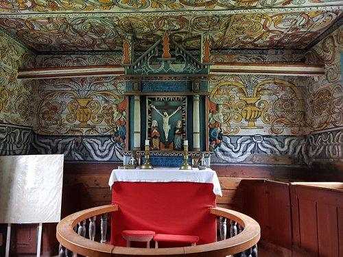 Fantastiske malerier i denne gammle kirken.