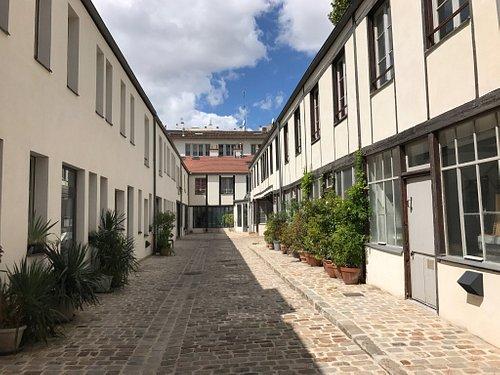 Ce quartier a été racheté par la ville de Paris pour le préserver de la promotion immobilière. D