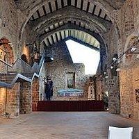 Església Sant Salvador (vela), Castellfollit de la Roca (Garrotxa, Gérone, Catalogne), Espagne.