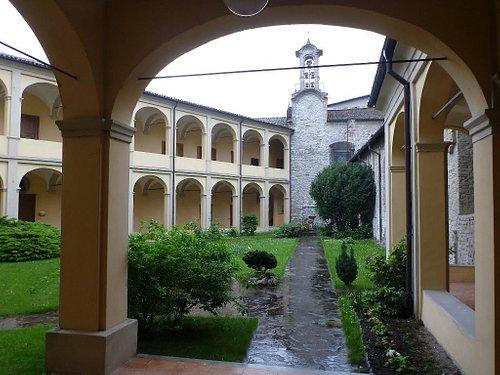 Cortile del Vecchio Seminario, adiacente la Cattedrale di S.M. Assunta - Duomo di Bobbio