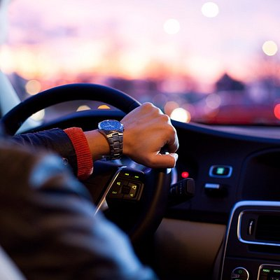 Seoul Private Driver offers you a reliable car service by well-experienced operators and drivers