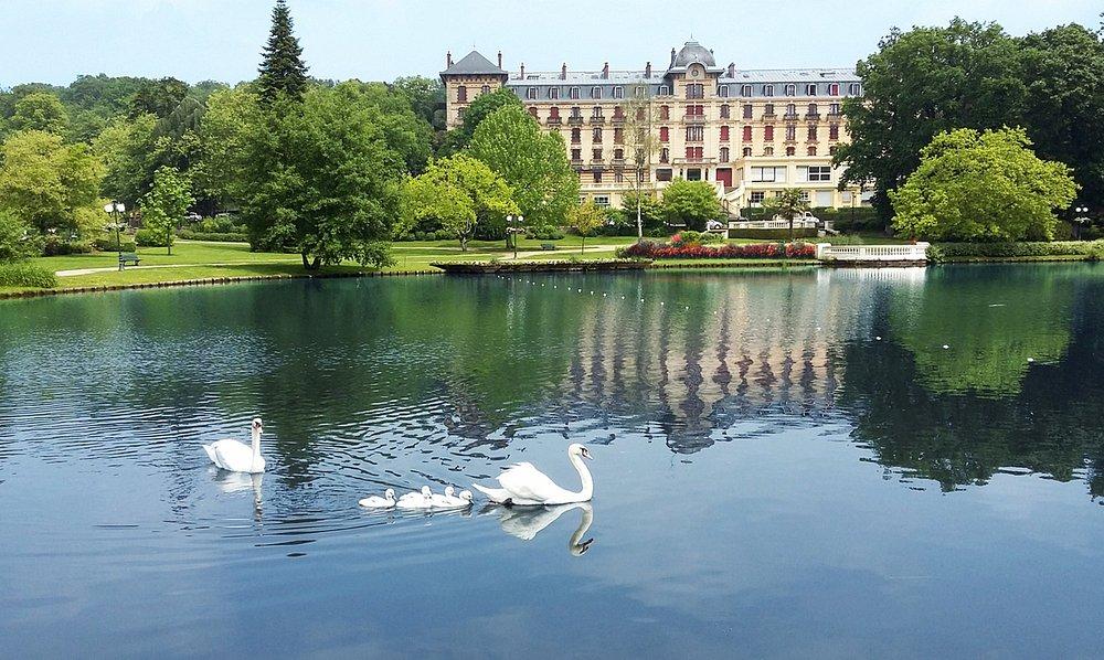 Le Grand Hôtel et le lac