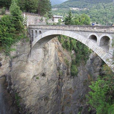 Ponte di Introd