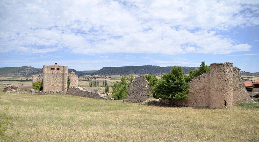 Castillo y parte de la muralla