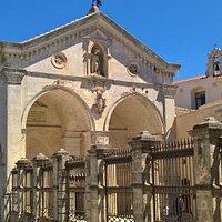 Esterno - Santuario di San Michele Arcangelo 2