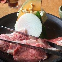 3種盛りランチ サラダ、ご飯、味噌汁がつく