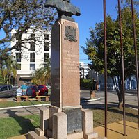 Praça da Matriz, Taquari: Monumento ao General Canabarro