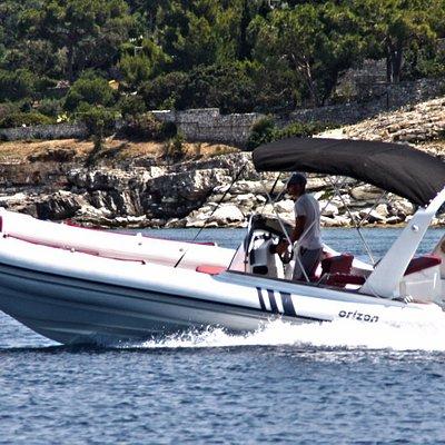RIB excursions with skipper. ORIZON 7.50m. YAMAHA 200Hp 4stroke.