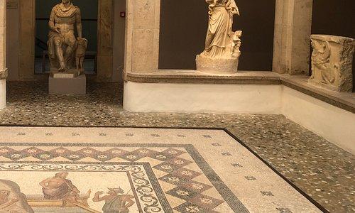 Это центральная часть музея