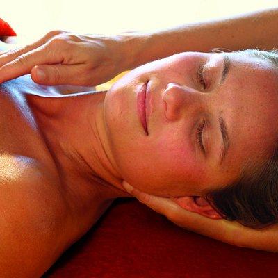 Massage for body mind & soul, Lomi Lomi, Ayurveda, Esalen