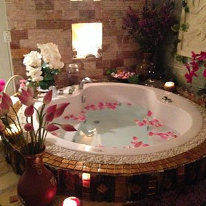 Jacuzzi in VIP room