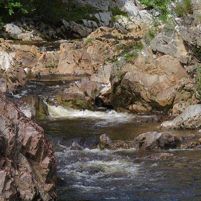 water flowing under the bridge