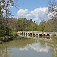 le pont épanchoir de la Redorte