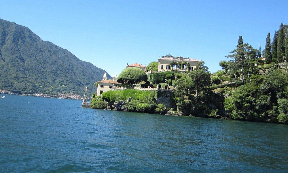 Prachtige villa's rond het meer en leuke taxiboot !