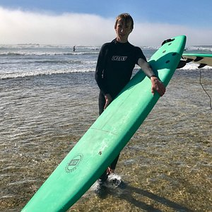 Surfing lessons with 365surfericeira