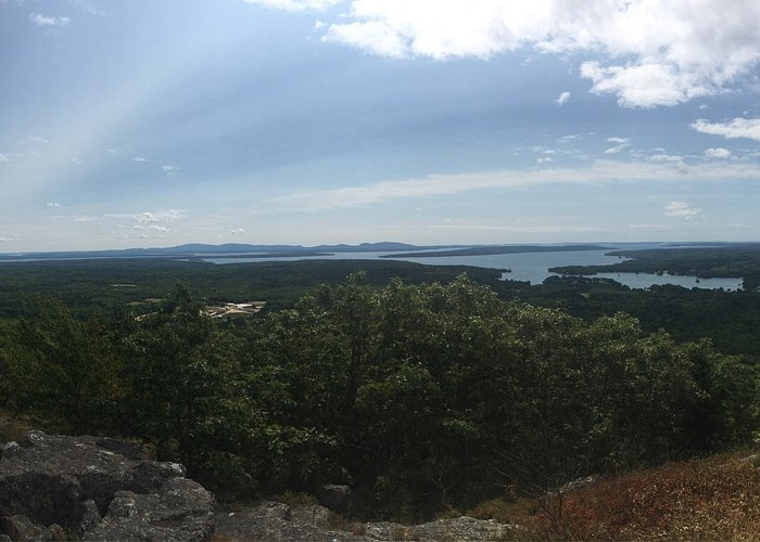 View from the top of the summit trail (you can see up to mount desert island on the left!)