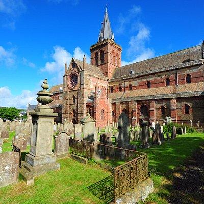Friedhof und Aussenfront
