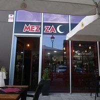 Mezza Pizza