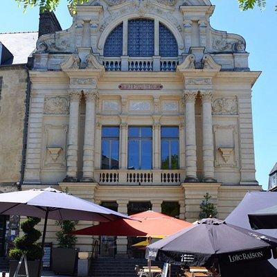 Théâtre Victor-Hugo
