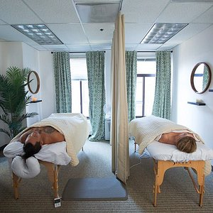 Full body massages give you a heavenly experience that relaxes your body, mind, and spirit
