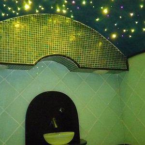 Hammam Baño de Vapor con luz amarilla