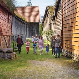Guided tour in our open air-museum. Photo: Nordfjord Folkemuseum, Espen Mills.