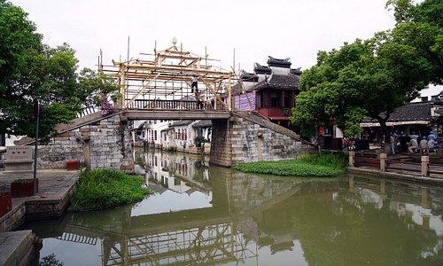 Un ponte in manutenzione