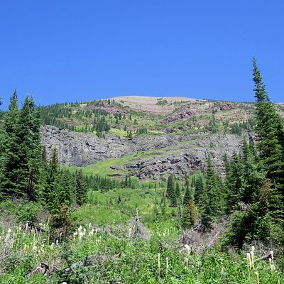 Plenty of mountain vistas throughout the trail