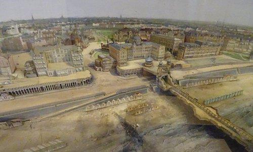 -Schaalmodel van vroegere Het Strand van Scheveningen voor de Duitse bezetting-