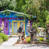 Garden sculptures at Arte Coyoacano on 11th Ave. W