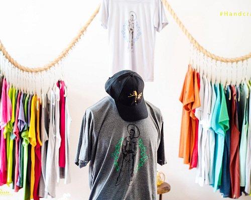 Camisetas y gorras con diseños originales !