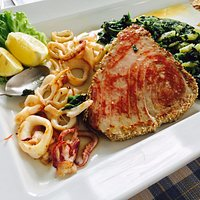 Tuna Steak and Calamari