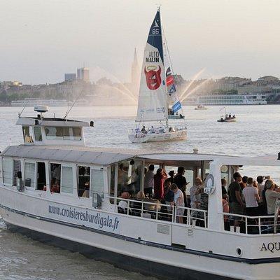 Fête du Fleuve 2017: aux premières loges de la parade des héros à bord de l'Aquitania
