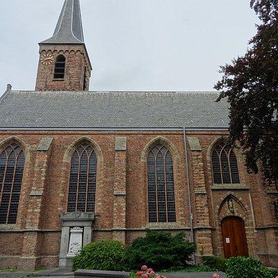 -16de eeuwse Dorpskerk Wassenaar met fragmenten 12de eeuw-