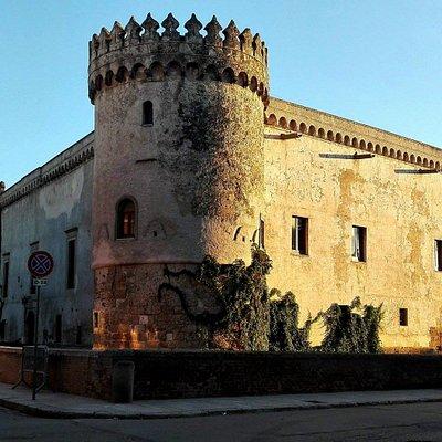 Angolo castello, con le luci del mattino
