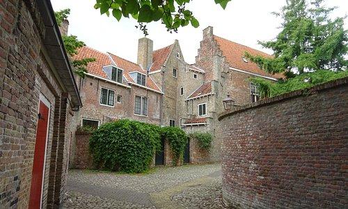 -16de en 17de eeuwse architectuur Kuiperspoort-Rouaansekaai-