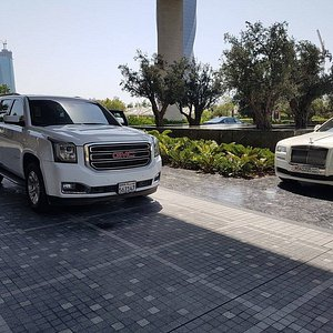 Affordable limousine service in Manama