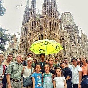 Free Walking Tours Barcelona Gaudi - Runner Bean Tours