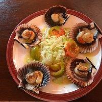 Zamburriñas (scallops) a la plancha