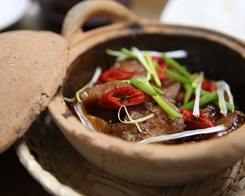 Caramelized catfish - learn to cook with an expert in Ho Chi Minh City - Traveling Spoon